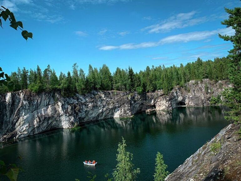 Общий вид горного парка Рускеала