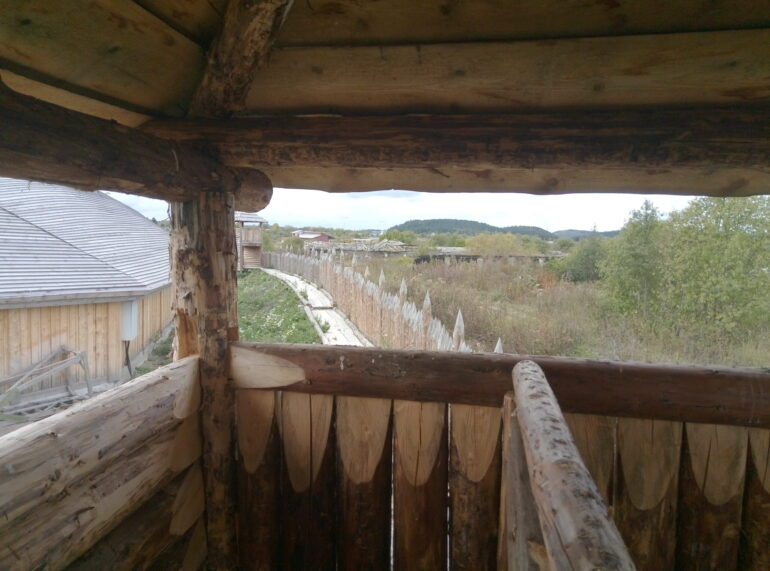 Крепость из частокола в Карелии Svartbjornborg