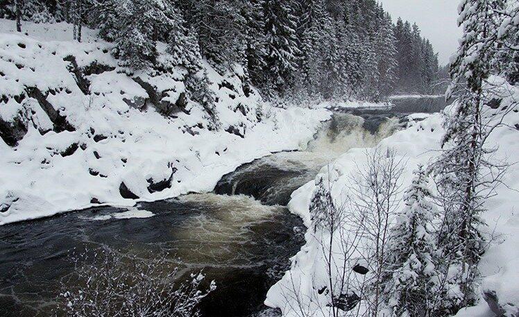 Водопад Кивач фото зимой