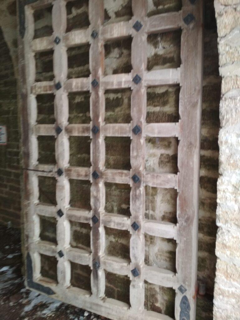 Ворота крепости в Старой Ладоге