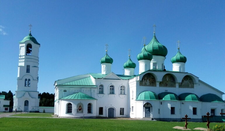 Фото и история Свято-Троицкого Александра Свирского мужского монастыря